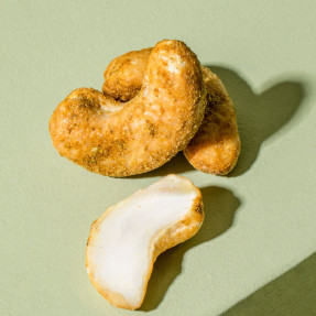 Curry spiced cashew nuts, 100gr