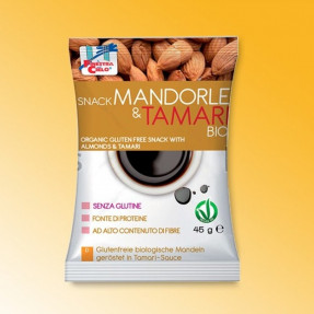 Snack with roasted almonds in Tamari sauce, organic